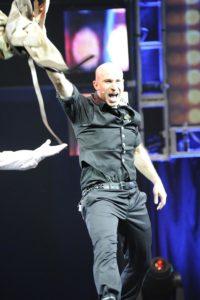 Seth performing